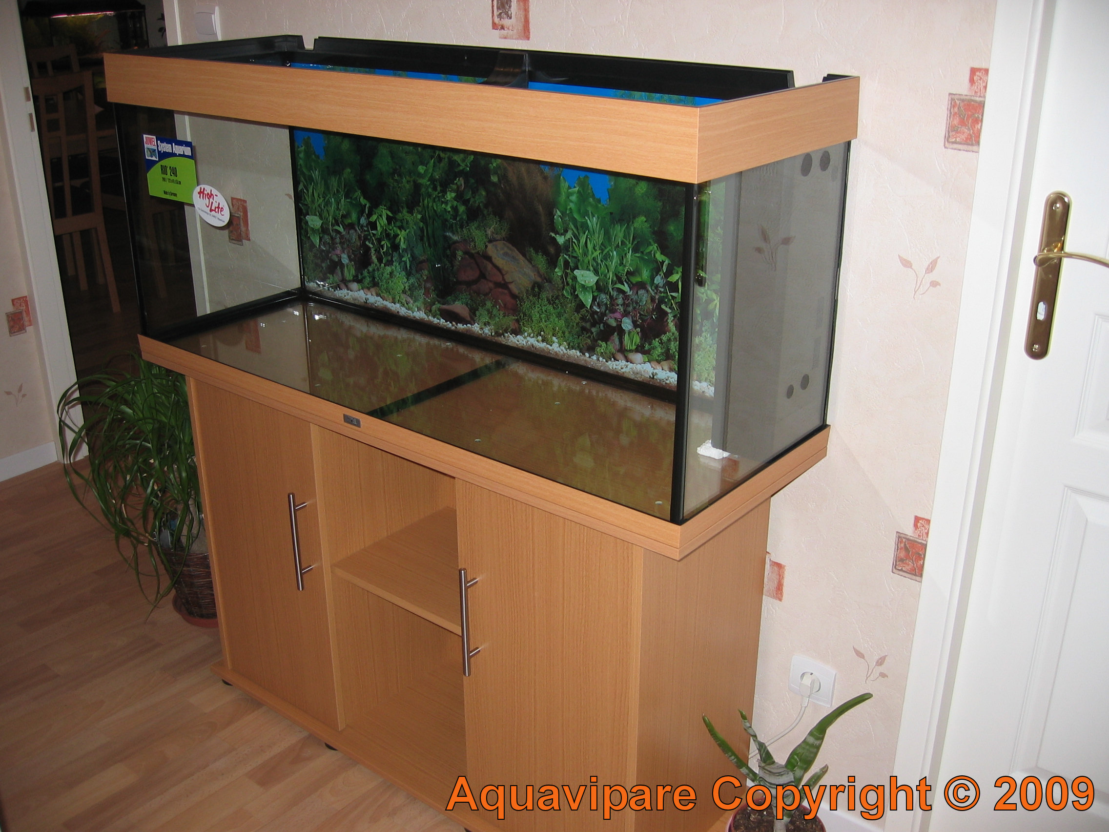 meuble aquarium 240 litres. Black Bedroom Furniture Sets. Home Design Ideas